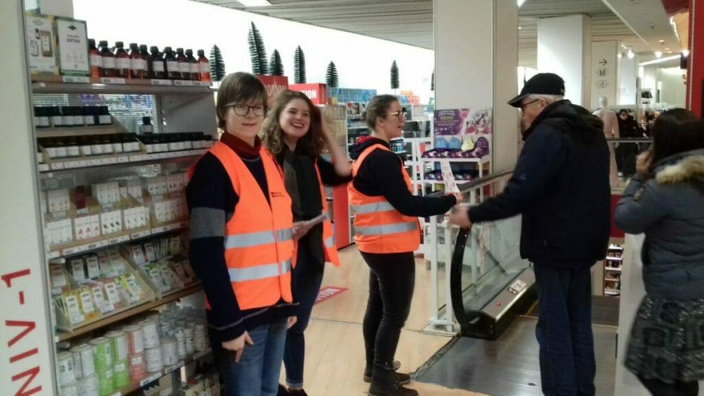 Les étudiants du Stift participent à la collecte de la banque alimentaire